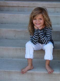 Feet are ugly, but kids feet are so cute. Precious Children, Beautiful Children, Beautiful Babies, Children Toys, Funny Babies, Cute Babies, Baby Kids, Kind Photo, Stylish Kids