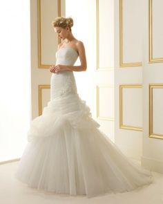 156 TIFFANY / Wedding Dresses / 2013 Collection / Luna Novias
