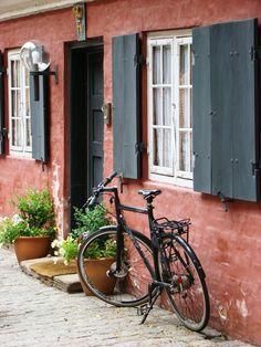 evysinspirations:    (via Postard from Copenhagen, a photo from Kobenhavn, East | TrekEarth)  Copenhagen, Denmark