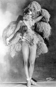 Josephine Baker and her feathers