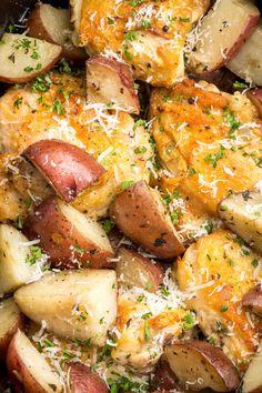 Slow-Cooker Garlic-Parmesan Chicken for an easy weeknight meal Crock Pot Recipes, Recetas Crock Pot, Chicken Recipes, Chicken Ideas, Shrimp Recipes, Healthy Slow Cooker, Best Slow Cooker, Slow Cooker Dinners, Pancakes Oatmeal