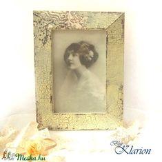 Romantikus vintage képkeret (blueklarion) - Meska.hu Techno, Frame, Diy, Vintage, Home Decor, Upcycled Crafts, Picture Frame, Bricolage, A Frame