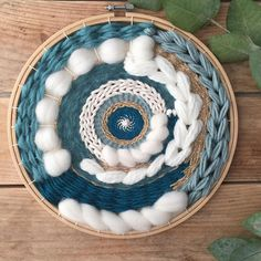 Circular woven wall hanging / Circular wall weaving / made to Tenture murale tissée circulaire / tis Weaving Wall Hanging, Weaving Art, Tapestry Weaving, Loom Weaving, Hand Weaving, Wall Tapestry, Circular Weaving, Weaving Projects, Art Yarn