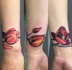 Tulip Bracelet Tattoo by Sasha Unisex