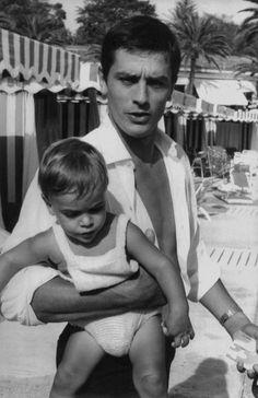 Alain Delon ha 80 anni: i film, gli amori