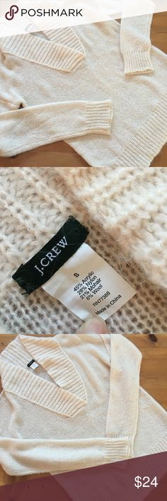 J.Crew Off White V Neck Sweater Excellent condition size small soft comfortable 27 inches long 22 inch bust 23 inch sleeve cute comfortable J.Crew flat measurements no rips tears stains non-smoking environment J. Crew Sweaters V-Necks