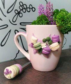 Cute plant idea for a work desk. Polymer Clay Sweets, Polymer Clay Ornaments, Fimo Clay, Polymer Clay Charms, Polymer Clay Creations, Polymer Clay Jewelry, Clay Jar, Clay Mugs, Clay Crafts