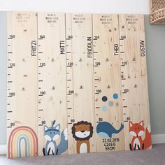 Baby Crafts, Diy And Crafts, Baby Zimmer, Charts For Kids, Wood Toys, Baby Room Decor, Baby Party, Kids Bedroom, Coral