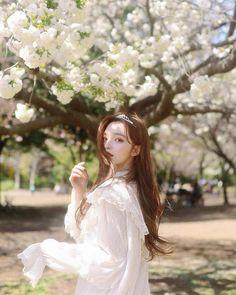 🌸We are KIM NAHEE FANPAGE sur Instagram: 🌸Nahee Update Cr @gorgeousalice_ #knhs2 #love #me #happy #beautiful #kimnahee #김나희 #style #girl #cute #modelkorea #kimnaheefanpage #얼짱… Cute Japanese Girl, Cute Korean Girl, Asian Girl, Mode Ulzzang, Ulzzang Korean Girl, Korean Best Friends, Korean Beauty Girls, Lovely Girl Image, Girl Korea