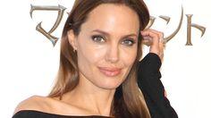 ★ Mysterious Black ★ Angelina Jolie taistelee syöpää vastaan – uusi leikkaus käynnisti vaihdevuodet https://www.facebook.com/profile.php?id=100009068054021