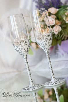 White and silver wedding  flutes/ Wedding glasses  / от DiAmoreDS, $53.00