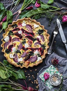 Colorful beetroot tart with honey mustard cream mild goat cheese Crispy Baked Chicken Thighs, Baked Ranch Chicken, Oven Roasted Chicken, Lemon Butter Chicken, Garlic Butter Sauce, Easy Chicken Thigh Recipes, Chicken Recipes, 21 Day Fix, Quiches