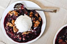 Balsamic Blueberry Crisp by howsweeteats #Blueberry #Balsamic #Crisp #howsweeteats