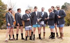 padrinos de boda en calzoncillos