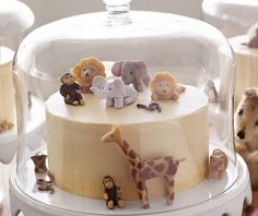 Prachtige taart met marsepeinen dieren