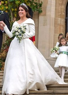 Duchess Kate: Kate in Raspberry Pink McQueen Dress & George and Charlotte in Starring Role for Princess Eugenie & Jack Brooksbank's Windsor Wedding! Princess Eugenie Jack Brooksbank, Princess Beatrice, Princess Kate, Royal Wedding Gowns, Royal Weddings, Wedding Dresses, Duchess Kate, Duchess Of Cambridge, Princesa Eugenie