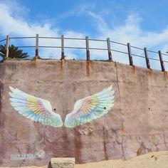 福岡では超人気のドライブスポットの糸島に天使の翼の壁画があるって知ってる? 二見ヶ浦の海を眺めながら食事やショッピングが出来るパームビーチ・ザ・ガーデンズにあるんだよ\(^o^)/ インスタをやってる人達にはここで写真を撮るとインスタ映えするってことで最近人気が出来てきてるみたい! 糸島にドライブに行くなら絶対に行きたい場所だね(*´∀`*) #糸島 #ドライブスポット #インスタグラム