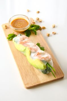 Shrimp and Avocado Summer Rolls (Fresh Spring Rolls) Shrimp Spring Rolls, Fresh Spring Rolls, Summer Rolls, Fresh Rolls, Clean Eating, Healthy Eating, Thing 1, Asian Cooking, Everyday Food
