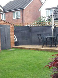67 Inspiring Backyard Fences Tips For Building A Backyard Fence 29 - Bestplitka Inc Painted Garden Sheds, Garden Fence Paint, Diy Backyard Fence, Metal Garden Fencing, Backyard Pool Designs, Backyard Projects, Backyard Landscaping, Garden Fences, Garden Pallet