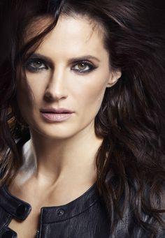 Most Beautiful Women, Beautiful People, Stana Katic Hot, Kate Beckinsale Hot, Castle Tv Shows, Kate Beckett, Fashion Games, Ski Fashion, Beauty