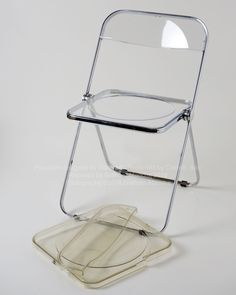 Mid Century Modern Castelli Giancarlo Piretti Italy Folding rose  Lucite Chair