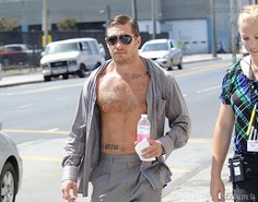 Tom Hardy filming on location Los Angeles, California - 09/09/2009 4