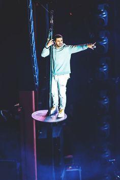 Your daily dose of Drake and OVO Nicki And Drake, Old Drake, Drake Concert, Drake Clothing, Drake Photos, Drake Wallpapers, Drake Drizzy, Drake Graham, Aubrey Drake
