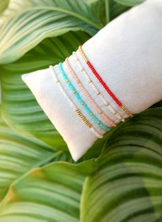 I wanted showing you how to make a bracelet with natural stone and leather thread with video. Beaded Jewelry Designs, Seed Bead Jewelry, Diy Jewelry, Handmade Jewelry, Neon Bracelets, Beaded Bracelets, Macrame Bracelet Patterns, Bracelet Crafts, Expensive Jewelry