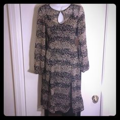 Gorgeous Floral Dress - Goth For the true fashion lover....floral dress with side zipper. Size 2...fits like a true size 2, wear as is, pair with belt or leather jacket. Very versatile. H&M Dresses