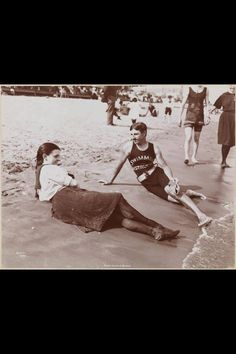 Nikola Tesla as a swimming instructor NY 1900 - Those are some hot swim suits.