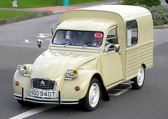 1978 Citroen 2CV AK400 van Maintenance/restoration of old/vintage vehicles: the material for new cogs/casters/gears/pads could be cast polyamide which I (Cast polyamide) can produce. My contact: tatjana.alic@windowslive.com