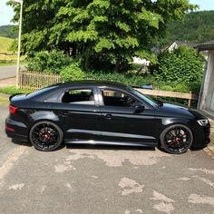#black #keramikbremse #kwv3 #audiquattro #oz #ozultraleggera #20zoll #rs3 #audirs3ttrsclub #audirs3 #audi #quattro #bigboost #audirs6 #rs5… Audi Quattro, Oz Ultraleggera, Rs 5, Audi Rs3, Wrx, Black, Instagram, Cars, Black People