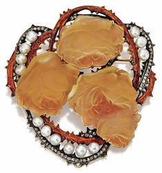 Pearl, enamel, diamond and molded glass roses brooch, René Lalique, circa 1900 - Button pearls approx. with detachable brooch fitting - Signed Lalique. Bijoux Art Nouveau, Art Nouveau Jewelry, Jewelry Art, Vintage Jewelry, Fine Jewelry, Jewelry Design, Jewellery, Art Deco, Lalique Jewelry