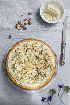 Torta alle noci e curcuma - Turmeric and walnut cake