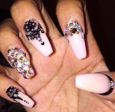 Henna nails - nailsbymztina