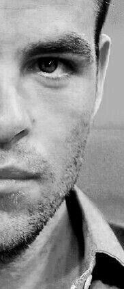Chris Pine, B/W
