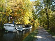Coshocton Lake Park, Horse-drawn Canal Boat Rides