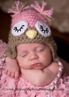 Crochet Newborn Baby Girl Sleepy Owl Hat with Ear by NeedleKrazy. Mcknelly Mcknelly Mcknelly Parr please make this for me! Crochet Bebe, Crochet Baby Hats, Crochet For Kids, Baby Kind, Baby Love, Newborn Crochet Patterns, Baby Pullover, Owl Hat, Pink Owl
