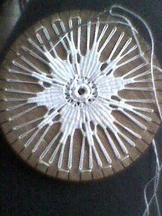 Aran Crochet - Crochet motif for tunic blouse How to join motifs Part 2 Circular Weaving, Bamboo Weaving, Teneriffe, Pin Weaving, Loom Weaving, Needle Lace, Bobbin Lace, Weaving Patterns, Lace Patterns