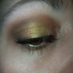 KatVonD Saint & Sinner Eyeshadow pallette