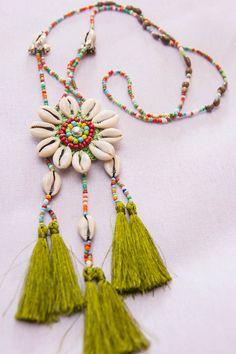 Akha Seashell Tassels Necklace GREEN/ Ethnic / by CHEZMOIMYHOME