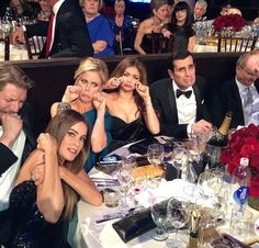 The cast of Modern Family's reaction to not winning a Golden Globe