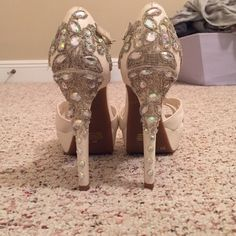 Gianni Bini Event Pumps! Stunning white glittery heels with fully beaded backs! Some signs of wear Gianni Bini Shoes Heels