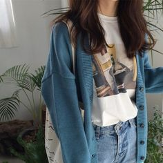 blue cardigan white print t shirt blue jeans clothes korean fashion autumn fall school outfits street everyday casual comfy aesthetic soft minimalistic kawaii cute g e o r g i a n a : c l o t h e s Aesthetic Fashion, Look Fashion, Aesthetic Clothes, Fashion Outfits, Fashion Ideas, Aesthetic Outfit, Jeans Fashion, Modest Fashion, Street Fashion