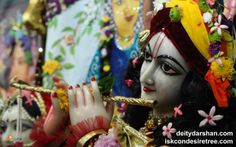 To view Gopinath Close Up Wallpaper of ISKCON Chowpatty in difference sizes visit - http://harekrishnawallpapers.com/sri-gopinath-close-up-wallpaper-109/