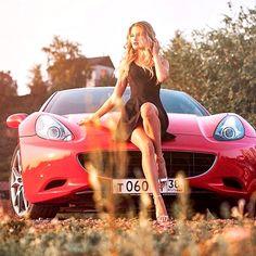 Porsche, Audi, Sexy Cars, Hot Cars, Carros Vw, Woman In Car, Lamborghini, Pin Up, Car Hood Ornaments