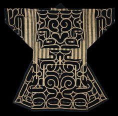 Ainu robe of ci-karkar-pe type, sewn of hand spun, indigo-dyed,. Japanese Textiles, Japanese Kimono, Japanese Art, Japanese Design, Chain Stitch Embroidery, Embroidery Patterns, Embroidery Stitches, Hat Embroidery, Learn Embroidery