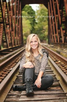 senior girl railroad bridge, by cheyenne dior photography