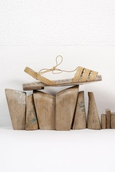 Estilo atemporal y conciencia clara. Un zapato clásico. Espadrilles, Spring Summer, Traditional, Handmade, Collection, Sustainable Fashion, Fashion Branding, Zapatos, Espadrilles Outfit
