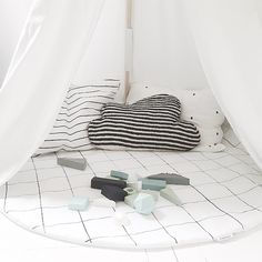 &SUUS | Grid for nursery and kidsrooms | ensuus.blogspot.nl | Play by Cats and Boys